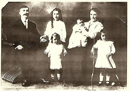 The Shotton-Larkin family in Australia, c 1915 (photo: courtesy John Macrae)